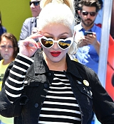 Christina_Aguilera_-__Emoji__Premiere_in_Los_Angeles_on_July_23-18.jpg