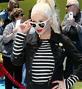 Christina_Aguilera_-__Emoji__Premiere_in_Los_Angeles_on_July_23-22.jpg