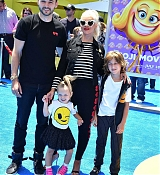 Christina_Aguilera_-__Emoji__Premiere_in_Los_Angeles_on_July_23-31.jpg