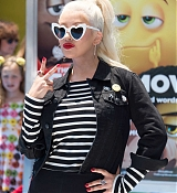 Christina_Aguilera_-__Emoji__Premiere_in_Los_Angeles_on_July_23-49.jpg