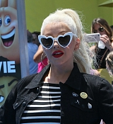 Christina_Aguilera_-__Emoji__Premiere_in_Los_Angeles_on_July_23-50.jpg