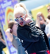 Christina_Aguilera_-__Emoji__Premiere_in_Los_Angeles_on_July_23-55.jpg