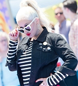 Christina_Aguilera_-__Emoji__Premiere_in_Los_Angeles_on_July_23-56.jpg