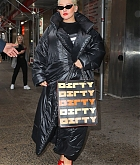 Christina_Aguilera_-__In_New_York_on_September_9-01.jpg