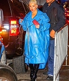 Christina_Aguilera_-_arrives_at_Radio_City_Music_Hall_in_New_York_City_10042018-02.jpg