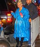 Christina_Aguilera_-_arrives_at_Radio_City_Music_Hall_in_New_York_City_10042018-04.jpg