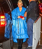 Christina_Aguilera_-_arrives_at_Radio_City_Music_Hall_in_New_York_City_10042018-07.jpg