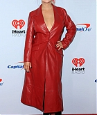 Christina_Aguilera_-_iHeartradio_Music_Festival_Las_Vegas_at_T-Mobile_Arena_in_Las_Vegas2C_20_September_2019-18.jpg