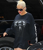 Christina_Aguilera_-_out_and_about_in_New_York_City_10032018-09.jpg