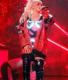 Christina_Aguilera_-_performing_for_a_New_Year_s_Eve_Performance_at_Zappos_Theatre_in_Las_Vegas2C_NV__12312019-04.jpg