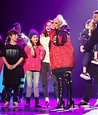 Christina_Aguilera_-_performing_for_a_New_Year_s_Eve_Performance_at_Zappos_Theatre_in_Las_Vegas2C_NV__12312019-15.jpg