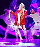 Christina_Aguilera_-_performing_for_a_New_Year_s_Eve_Performance_at_Zappos_Theatre_in_Las_Vegas2C_NV__12312019-44.jpg