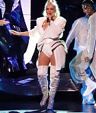 Christina_Aguilera_-_performing_for_a_New_Year_s_Eve_Performance_at_Zappos_Theatre_in_Las_Vegas2C_NV__12312019-54.jpg