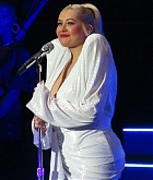 Christina_Aguilera_-_performs_at_the_Greek_Theater_in_Los_Angeles2C_26_October_2018-02.jpg