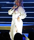 Christina_Aguilera_-_performs_at_the_Greek_Theater_in_Los_Angeles2C_26_October_2018-05.jpg