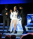 Christina_Aguilera_-_performs_at_the_Greek_Theater_in_Los_Angeles2C_26_October_2018-11.jpg
