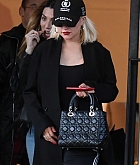 Christina_Aguilera_-_shopping_in_Beverly_Hills_120818-03.jpg