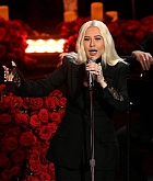 Christina_Aguilera_Performs_at_A_Celebration_of_Life_for_Kobe_and_Gianna_Bryant_-_February_24-15.jpg