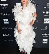 Harper_s_BAZAAR_Celebrates__ICONS_By_Carine_Roitfeld__-_September_7-14.jpg